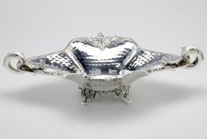 Jatte centrotavola con manici e base in Sheffield placcato argento cm.49x31x15h