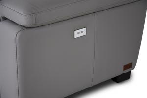 PLACID - Divano Relax 3 posti in pelle di colore grigio dotato di meccanismi recliner elettrici - schienale e poggiatesta imbottitura morbida