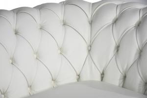 CHANTEL - Divano Chesterfield 2 posti capitonnè in pelle pieno fiore bianca a 2 posti con piedi in legno rivestito