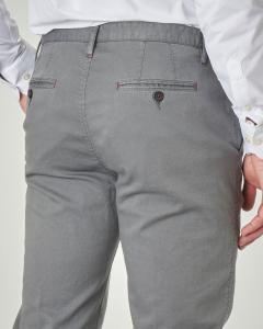 Pantalone chino grigio in cotone stretch micro armatura