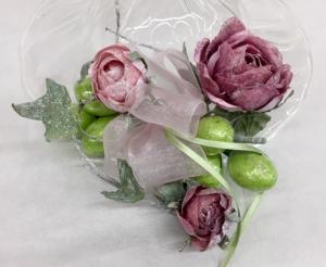Le nostre confezioni: roselline con ovetti di cioccolato