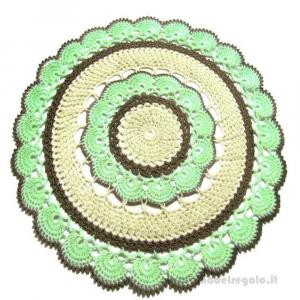 Centrino verde chiaro, beige e marrone ad uncinetto 42 cm - Handmade in Italy