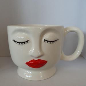 Tazza stilizzata viso donna