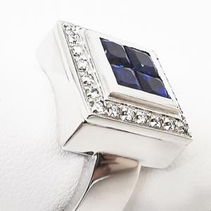Anello quadro con Diamanti bianchi e Zaffiri