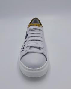 Sneakers macula GIO+.