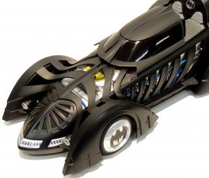 Batman Forever Batmobile 1/18