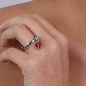By Simon - anello rodiato con coccinella pendente