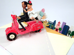 Biglietti augurali 'Sposi in vespa' Origamo