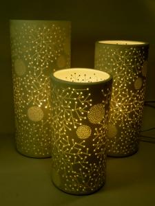 Lampada porcellana traforata cilindrica piccola