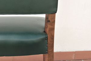 Sedia vintage in skai verde