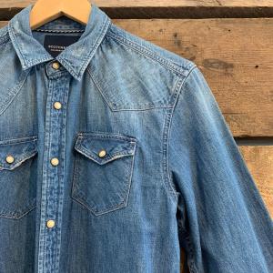 Camicia Scotch & Soda in Jeans con Bottoni a Clip Azzurro Chiaro