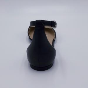 Ballerina in pelle nera charleston Strategia.