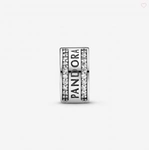 Clip con logo Pandora