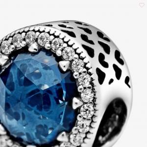 Charm blu scintillante