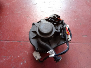 Motorino ventilaz. abit. usato Hummer H3 3 del 2009