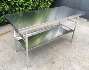 table de travail en aluminium