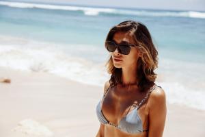 Occhiali da sole donna modello classico | Vendita online