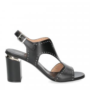 Andrea Schuster sandalo pelle nera borchiette-1