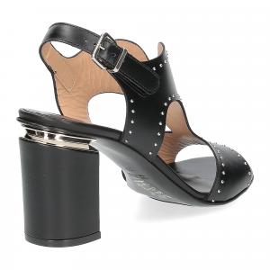 Andrea Schuster sandalo pelle nera borchiette-4