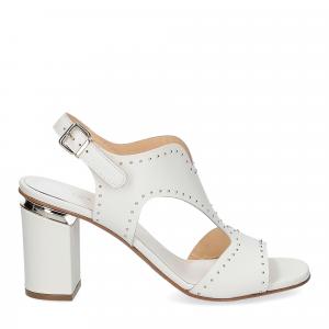 Andrea Schuster sandalo pelle bianca borchiette-1