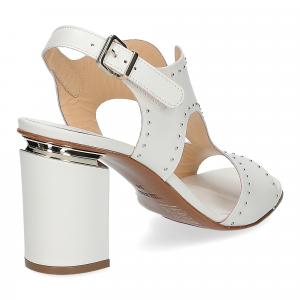 Andrea Schuster sandalo pelle bianca borchiette-5