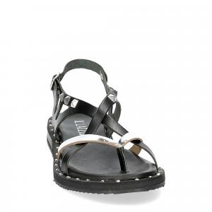 Il Laccio Sandalo infradito in pelle nera e argento con borchie-3