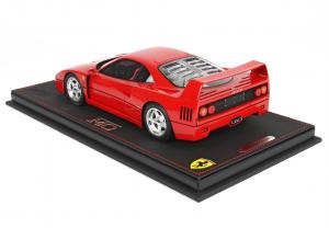 Ferrari F40 Red With Case 1/18