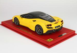 Ferrari F8 Tributo Giallo Modena Opaco With Case 1/18