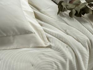 Trapunta Estiva Matrimoniale 270x270 cm in tessuto Jaquard Quilt con Eleganti decorazioni 100% made in Italy | JEREZ