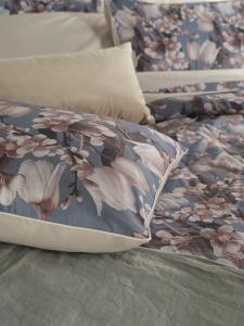 Copriletto Estivo Matrimoniale 260x260 cm in 100% cotone Elegante Trapuntino realizzato con stampa digitale motivo floreale | Orchidea