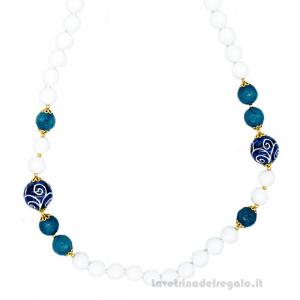 Collana con agata bianca e blu e sfere in ceramica di Caltagirone - Gioielli Siciliani