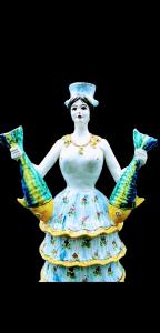 Limiere Donna con due Pesci di Caltagirone