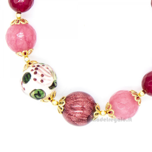 Bracciale con agata amarena e rosa e sfere in ceramica di Caltagirone - Gioielli Siciliani
