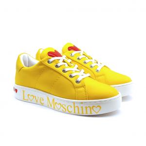 Sneaker gialla con fondo logato Love Moschino