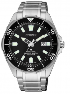 Citizen Diver's Supertitanio - Quadrante nero, cassa e bracciale Supertitanio
