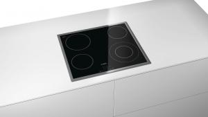 Bosch Serie 4 PKF645B17E piano cottura Nero Incorporato Ceramica 4 Fornello(i)