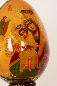 Uovo in legno  Madonna con Bambino