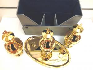 Oli Santi servizio tre vasetti Crisma-Catecumeni-Infermi h. 15 cm. Interno in vetro diam. 6,5 cm. 50 cc.