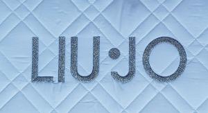 LIU JO Baby. Set Completo Copripiumino 5 pezzi. RASO -  BL053B. Culla - Lettino