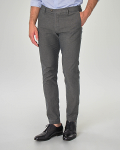 Pantalone chino grigio in tessuto puntaspillo stretch