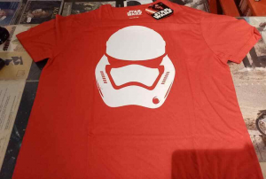 T-Shirt: STAR WARS The Force Awakens (red) varie taglie