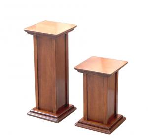 Pareja de pedestales en madera, altura 40 cm + 60 cm