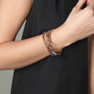 Leather bracelet with diamond clasp