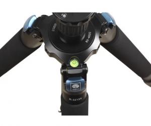 Treppiede R-3213X in Fibra di Carbonio + Testa Video VH-10X