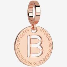 Charm medaglia con lettera Rebecca. Collezione Myworld Charms.