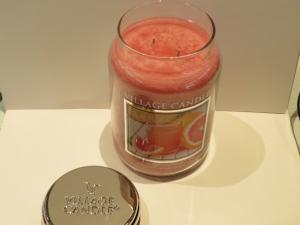 Candela Village Candle Juicy Grapefruit 170 ore