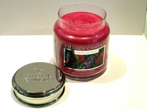 Candela Village Candle Wild Berry 105 ore