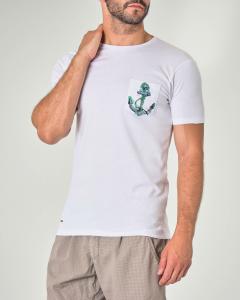 T-shirt bianca mezza manica con taschino e ancora stampata