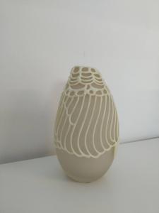 Vaso in vetro avorio, con silicone. Capriccio High, Memento