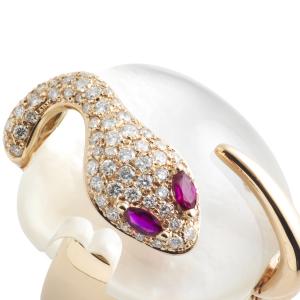 Anello in oro rosa, diamanti, madreperla e rubini